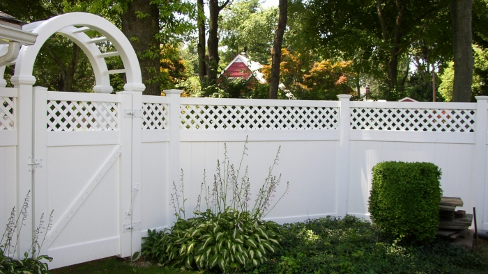 Lattice Top PVC Fence with Walk Gate and Deluxe Arbor