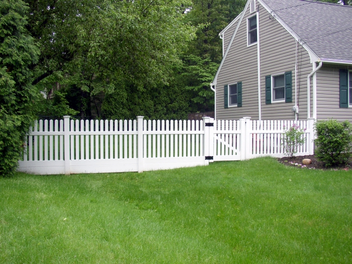 Dogear PVC Picket Fence with Filler Boards